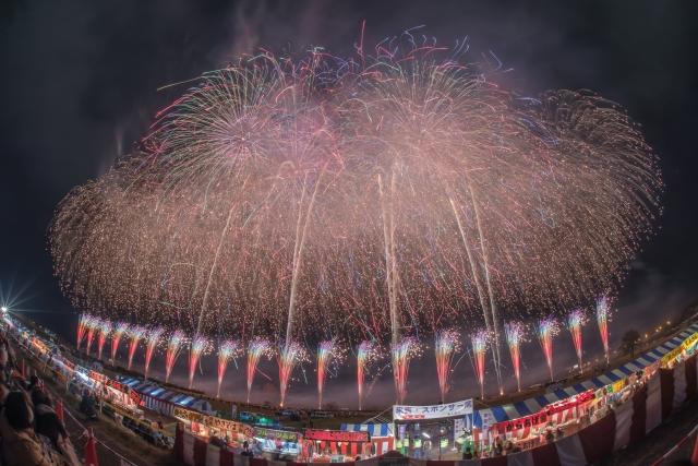 古河花火大会2019の混雑や交通規制、通行止め情報と場所取りは何時から?