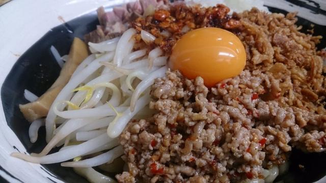 広島フラワーフェスティバルの出店の汁なし担々麺