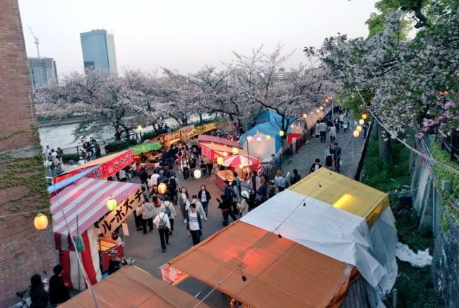 造幣局 桜の通り抜けの屋台出店露店情報