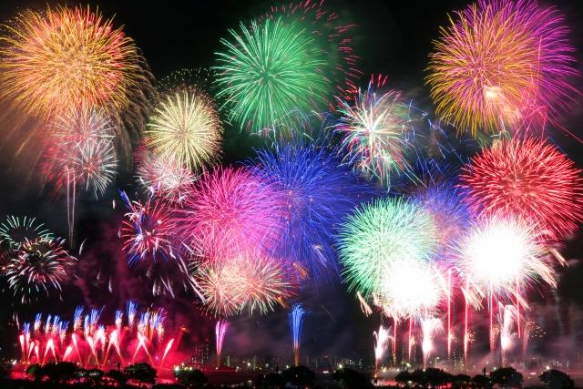 鴻巣花火大会2019の日程や穴場スポットと無料観覧席の場所、口コミ評判